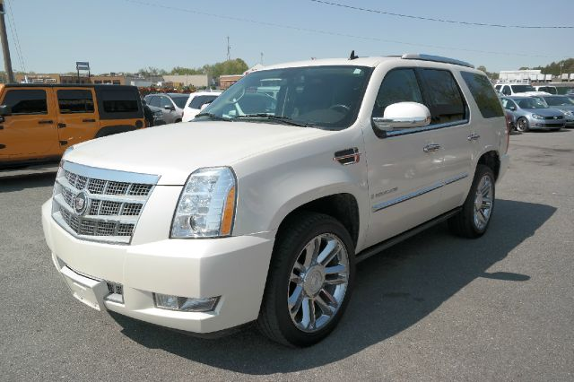 2008 cadillac escalade platinum edition awd fully loaded in fredericksburg va l s auto brokers. Black Bedroom Furniture Sets. Home Design Ideas