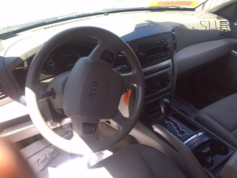 2005 Jeep Grand Cherokee 4dr Laredo 4WD SUV - Dover PA