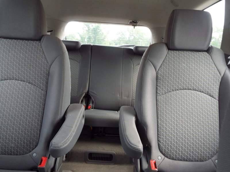 2011 Chevrolet Traverse LT 4dr SUV w/1LT - Zebulon NC