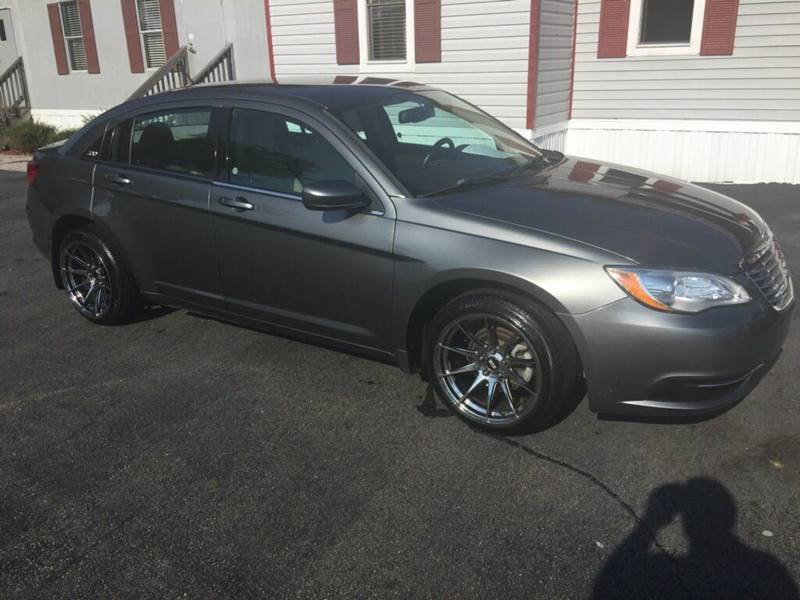 2013 Chrysler 200 Touring 4dr Sedan - Zebulon NC