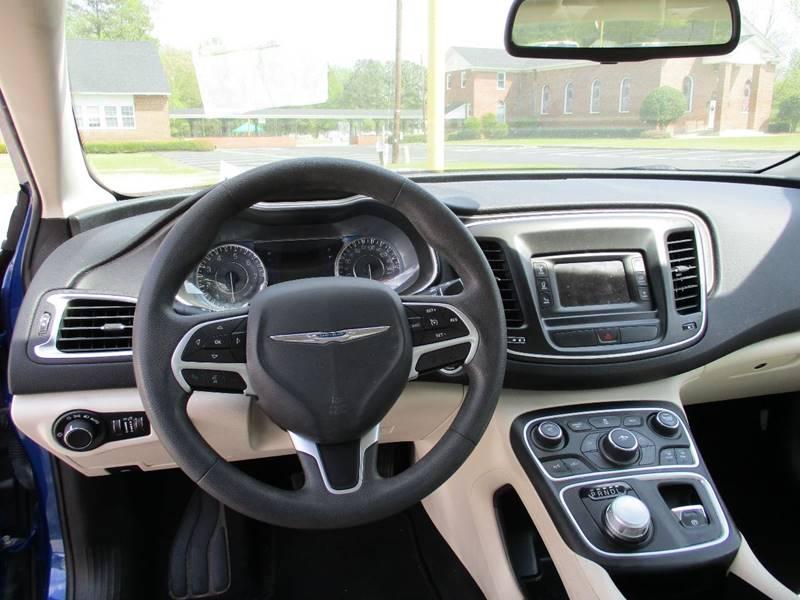 2015 Chrysler 200 Limited 4dr Sedan - Zebulon NC