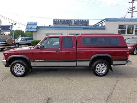 1994 Dodge Dakota for sale at Mashburn Motors in Saint Clair MI