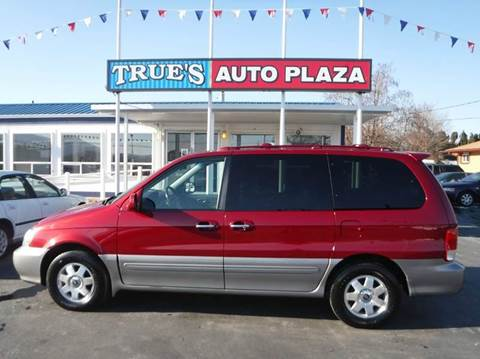 2002 Kia Sedona for sale at True's Auto Plaza in Union Gap WA