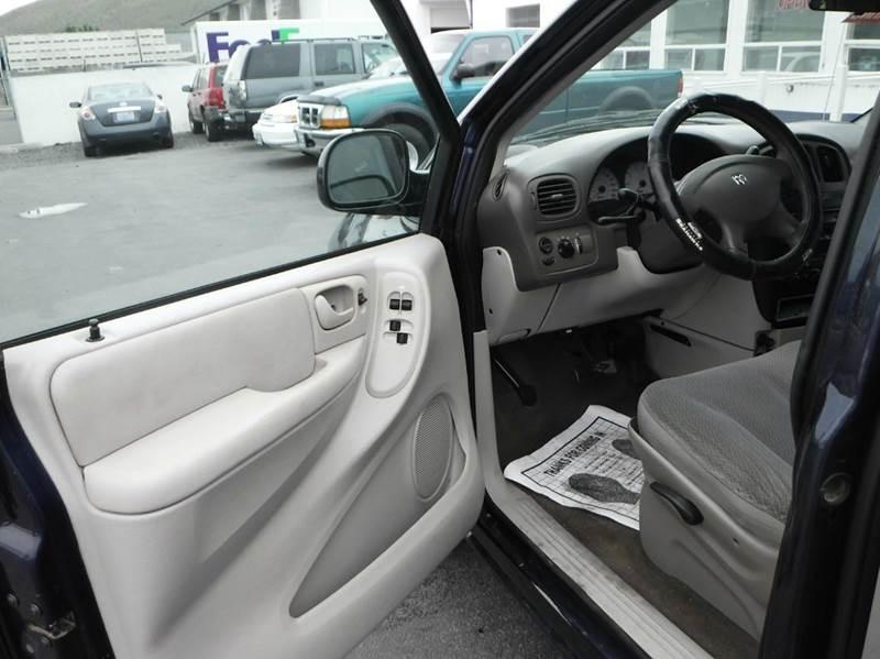 2005 Dodge Grand Caravan for sale at True's Auto Plaza in Union Gap WA