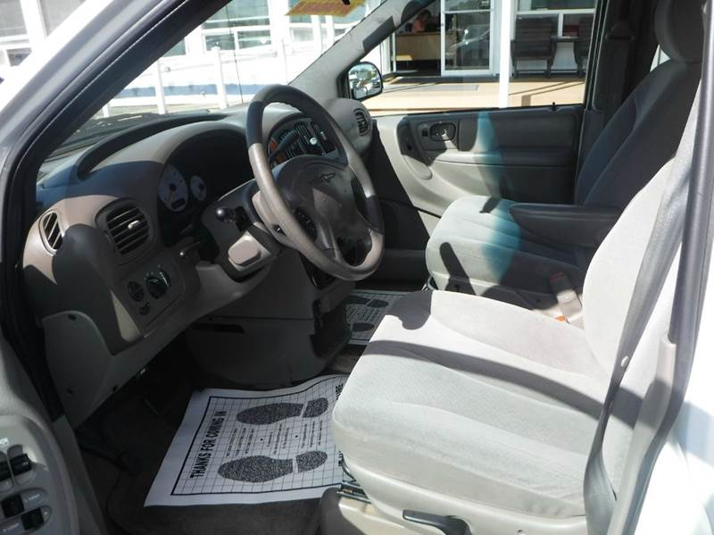 2002 Chrysler Town and Country for sale at True's Auto Plaza in Union Gap WA