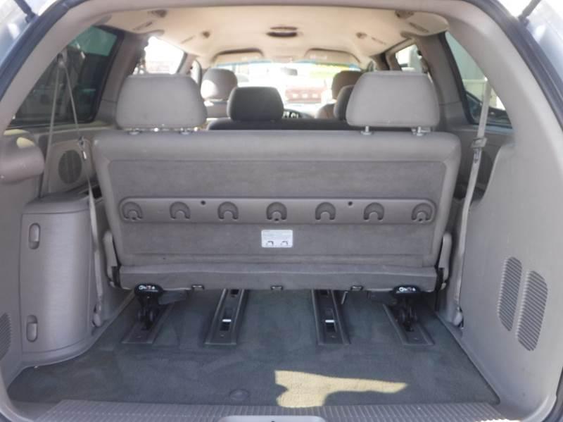2001 Dodge Grand Caravan for sale at True's Auto Plaza in Union Gap WA