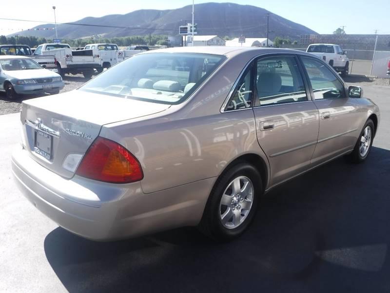 2000 Toyota Avalon for sale at True's Auto Plaza in Union Gap WA