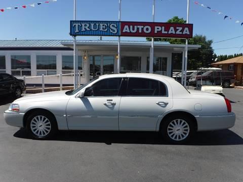 2004 Lincoln Town Car for sale at True's Auto Plaza in Union Gap WA