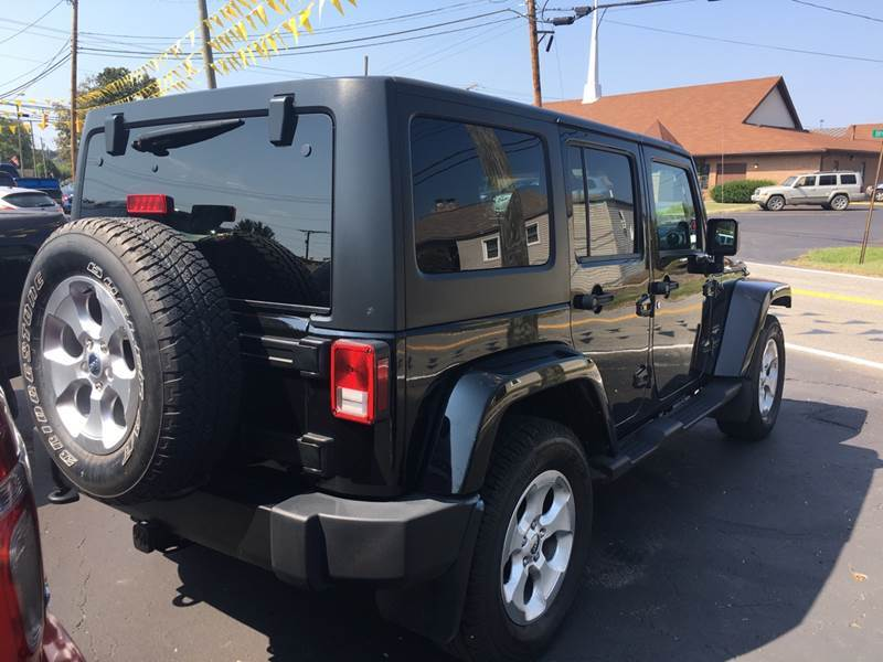 2013 Jeep Wrangler Unlimited 4x4 Sahara 4dr SUV - The Plains OH