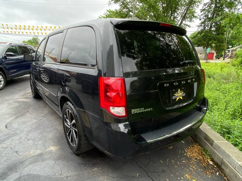 2013 Dodge Grand Caravan SXT 4dr Mini-Van - The Plains OH