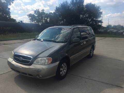 2004 Kia Sedona for sale at Mr. Auto in Hamilton OH
