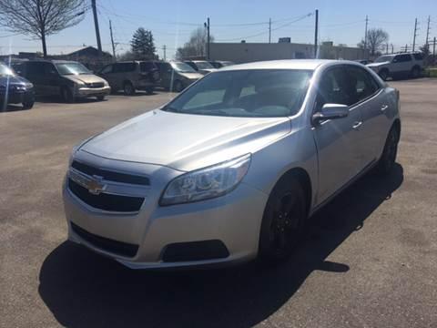 2013 Chevrolet Malibu for sale at Mr. Auto in Hamilton OH