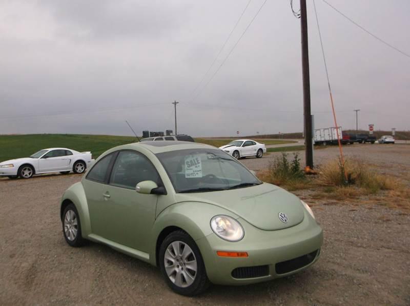 2008 Volkswagen New Beetle for sale at PREFERRED AUTO SALES in Lockridge IA