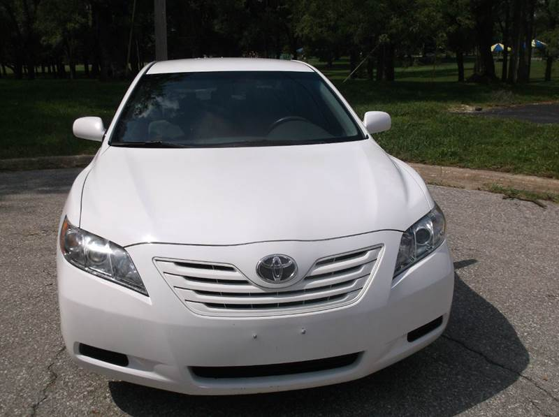 2009 Toyota Camry for sale at Royal Auto Sales KC in Kansas City MO