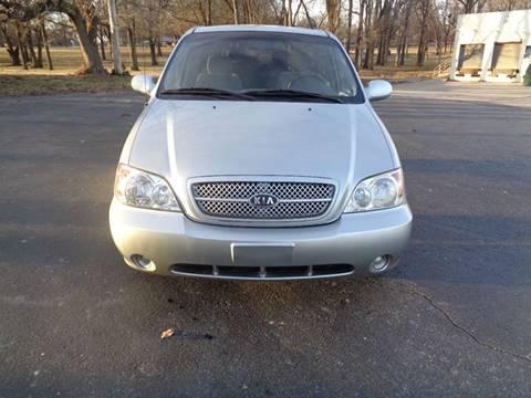 2005 Kia Sedona for sale in Kansas City, MO