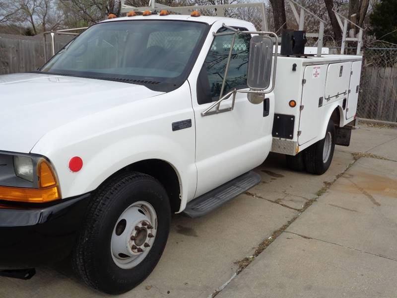 2001 Ford F-350 SR - Kansas City MO