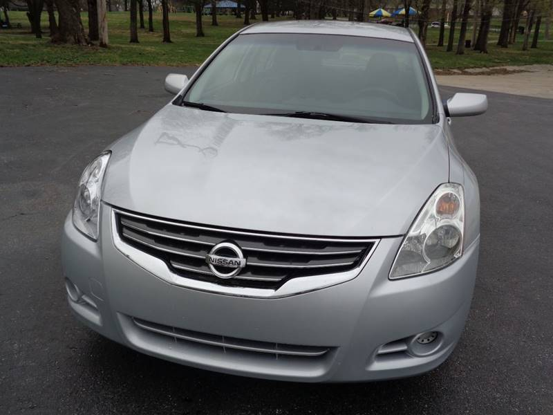 2011 Nissan Altima for sale at Royal Auto Sales KC in Kansas City MO