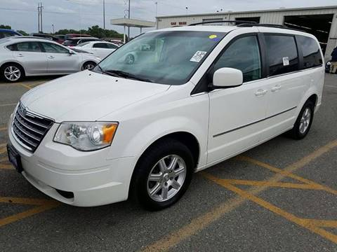 2009 Chrysler Town and Country for sale in Dighton, KS