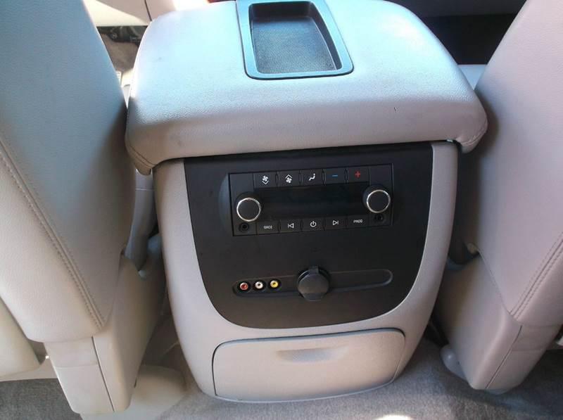 2008 Chevrolet Suburban 4x4 LT 1500 4dr SUV - Redgranite WI