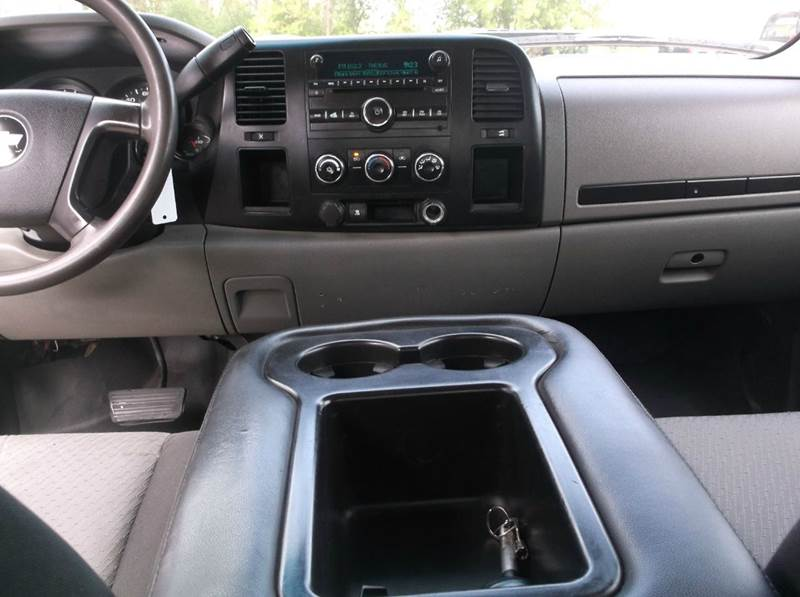 2009 Chevrolet Silverado 1500 4x4 Work Truck 4dr Extended Cab 6.5 ft. SB - Redgranite WI