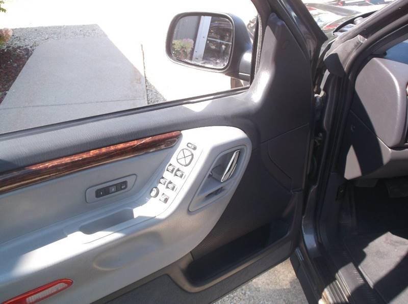 2002 Jeep Grand Cherokee 4dr Overland 4WD SUV - Redgranite WI
