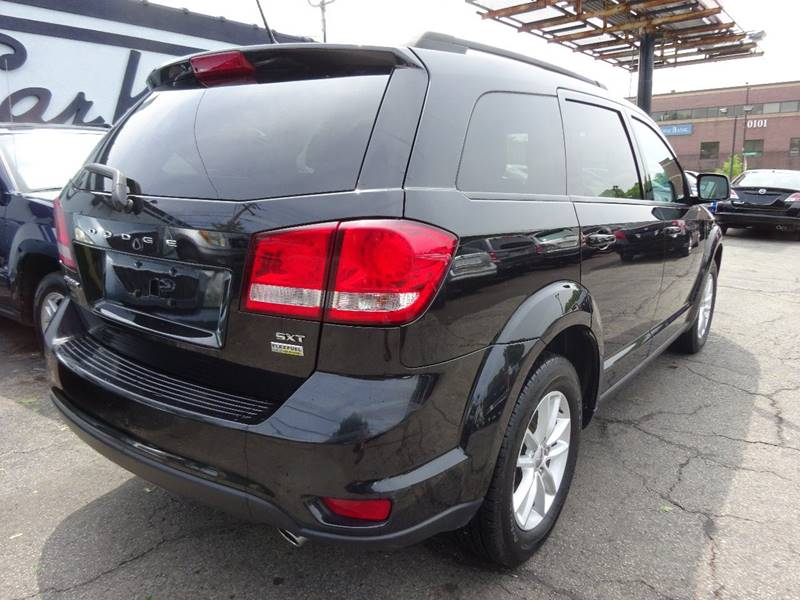 2013 Dodge Journey SXT 4dr SUV - West Allis WI
