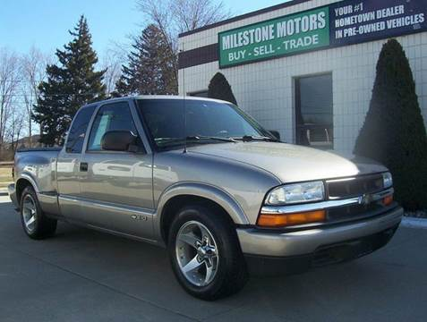 2002 Chevrolet S-10 for sale at MILESTONE MOTORS in Chesterfield MI