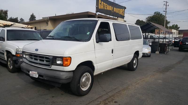 2003 Ford E-Series Wagon for sale at Gateway Motors in Hayward CA