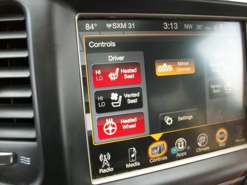 2016 Jeep Grand Cherokee (image 31)