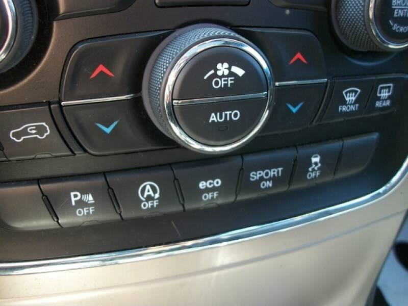 2016 Jeep Grand Cherokee (image 47)