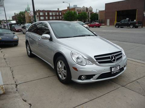 2009 Mercedes-Benz R-Class for sale at Car Center in Chicago IL