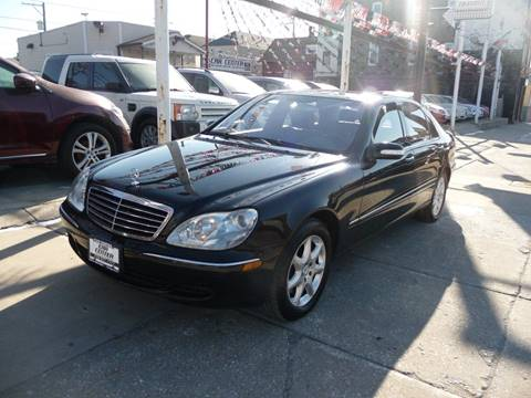 2006 Mercedes-Benz S-Class for sale at CAR CENTER INC in Chicago IL