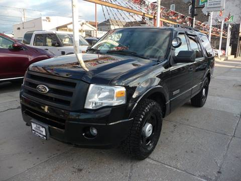 2008 Ford Expedition for sale at CAR CENTER INC in Chicago IL