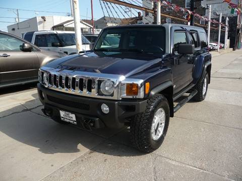 2007 HUMMER H3 for sale at CAR CENTER INC in Chicago IL
