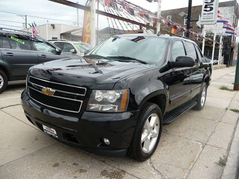 2007 Chevrolet Avalanche for sale at CAR CENTER INC in Chicago IL