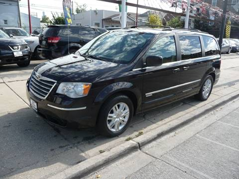 2010 Chrysler Town and Country for sale in Chicago, IL