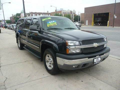 2005 Chevrolet Silverado 1500 for sale at CAR CENTER INC in Chicago IL