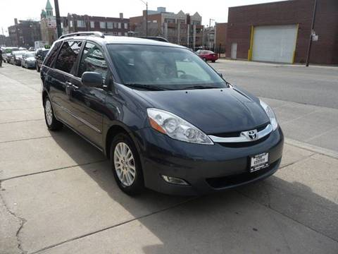 2008 Toyota Sienna for sale at Car Center in Chicago IL