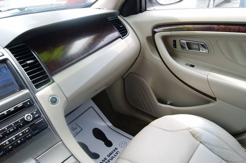 2011 Ford Taurus Limited 4dr Sedan - Louisville KY
