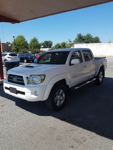 2009 Toyota Tacoma for sale at DON BAILEY AUTO SALES in Phenix City AL