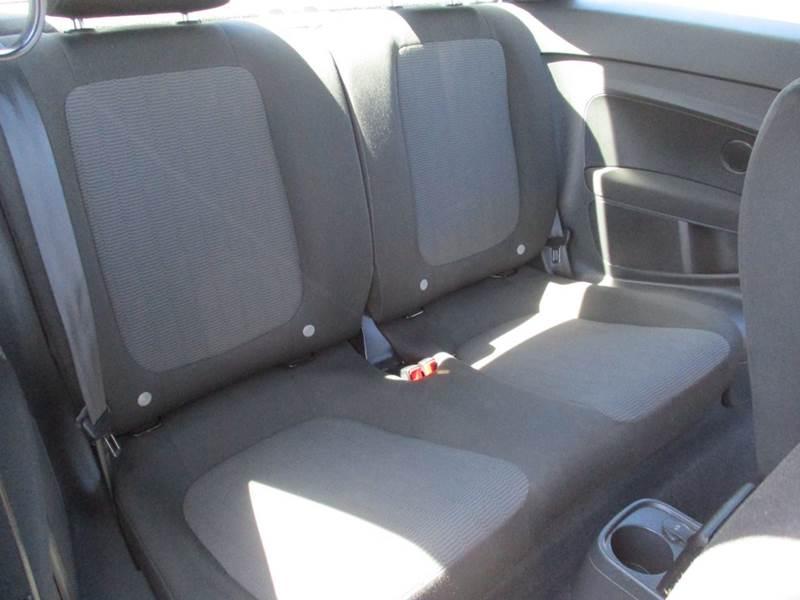 2013 Volkswagen Beetle 2.5L Entry PZEV 2dr Hatchback 6A - El Cerrito CA