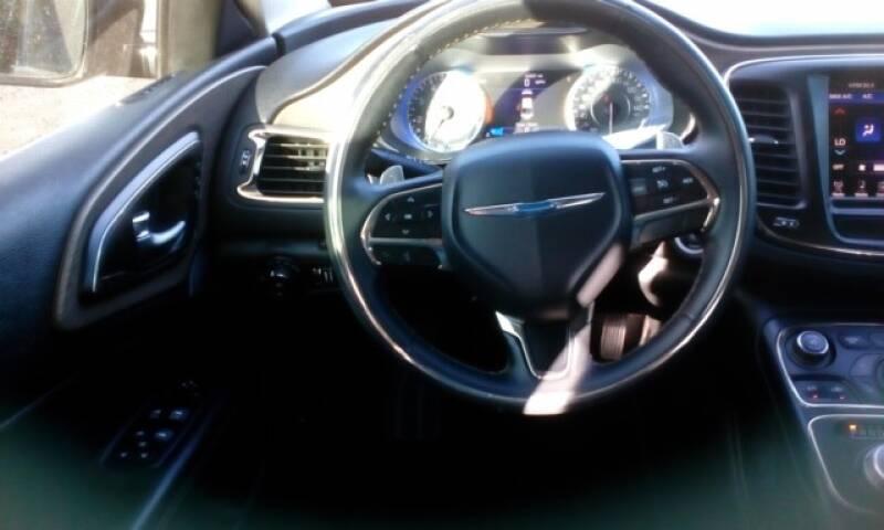2015 Chrysler 200 AWD C 4dr Sedan - Topeka KS