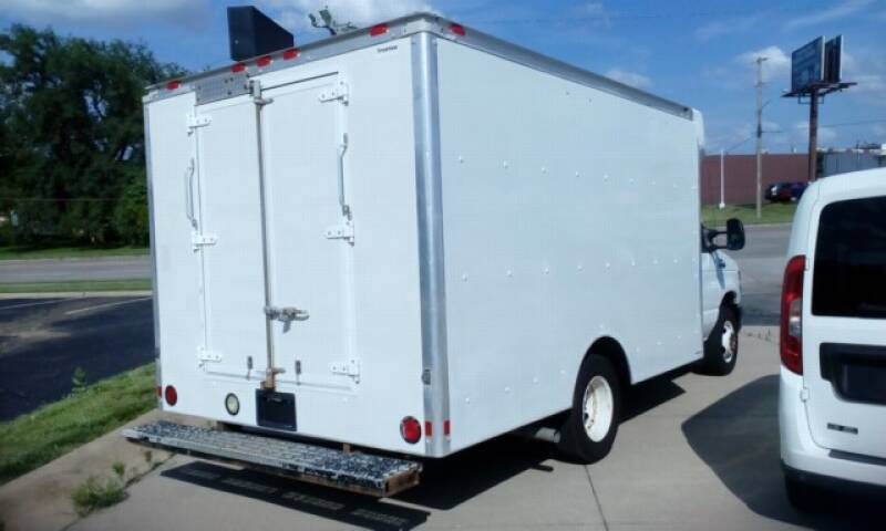 2012 Ford E-Series Chassis E-350 SD 2dr Commercial/Cutaway/Chassis 138-176 in. WB - Topeka KS