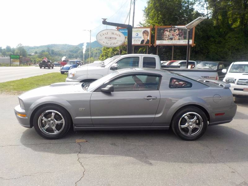 2006 Ford Mustang GT Premium 2dr Coupe - Sylva NC