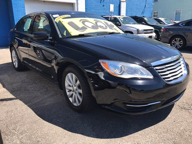 2013 Chrysler 200 LX 4dr Sedan - Toledo OH
