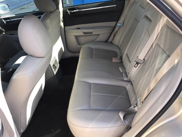 2006 Chrysler 300 Touring 4dr Sedan - Toledo OH