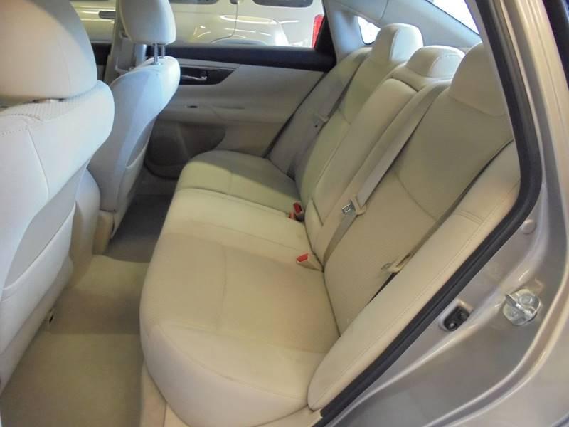 2014 Nissan Altima 2.5 SV 4dr Sedan - Cambridge OH