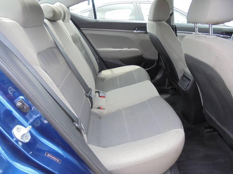 2017 Hyundai Elantra SE 4dr Sedan 6A (US) - Cambridge OH