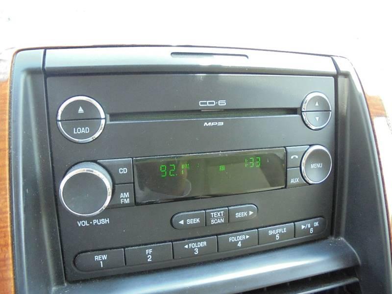 2008 Ford Explorer 4x4 Eddie Bauer 4dr SUV (V6) - Cambridge OH