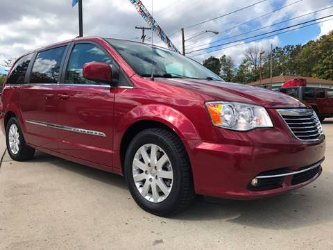 2014 Chrysler Town and Country for sale in Cambridge, OH